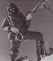 Slovenský horolezec M. Kriššák na vrcholu Makalu v r. 1976. Dobový tisk
